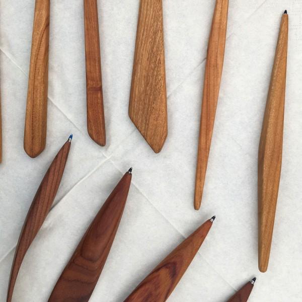 Kugelschreiber aus Obstbaumholz. Der Phantasie scheinen keine Grenzen gesetzt.